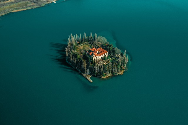 ostrov.jpg
