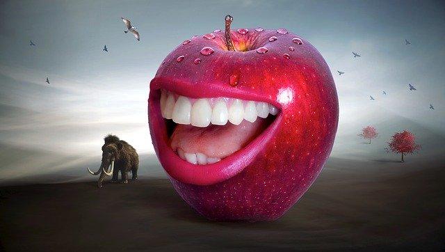 jablko so zubami.jpg